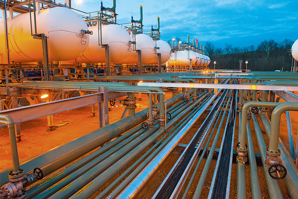 pipeline systems Codes and standards asme codes & standards please visit the link below for a listing of codes and standards that may be of interest to members of the pipeline systems division.